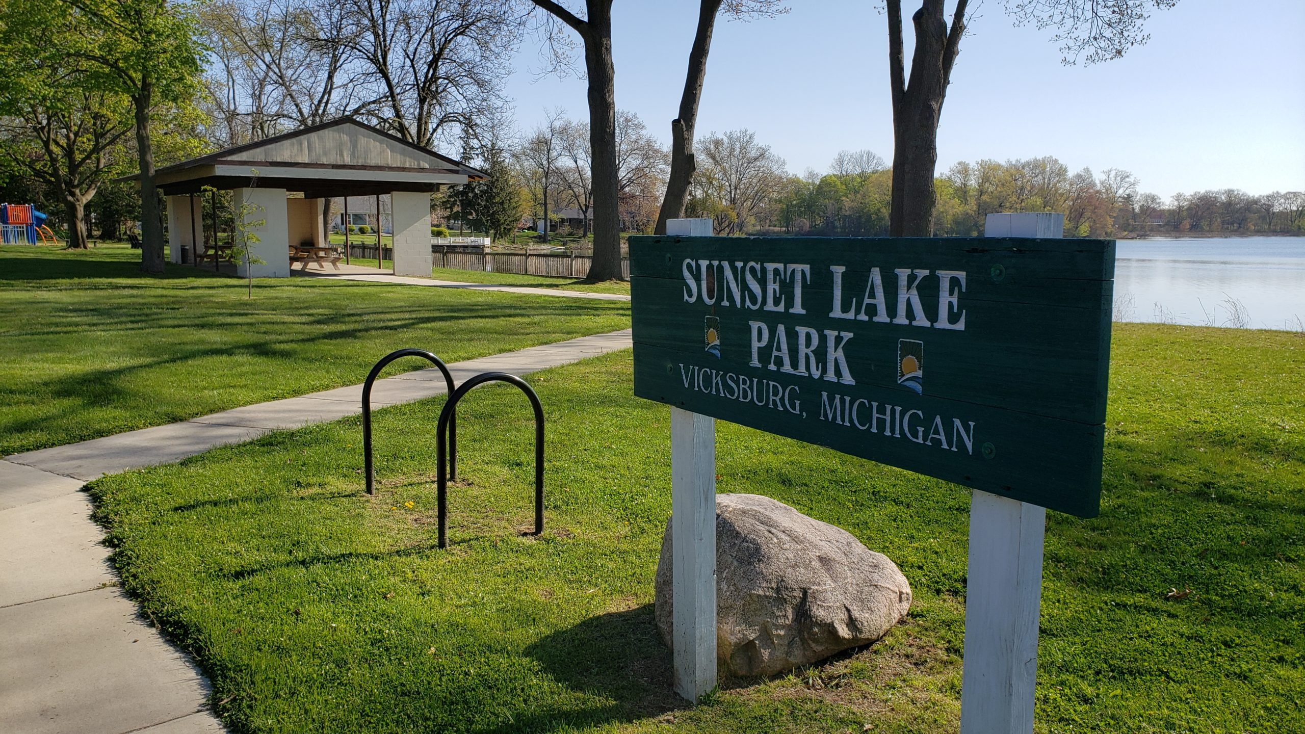 Sunset Lake Park Sign